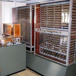 Zuse Z3, Nachbau im Deutschen Museum © Venusianer, de.wikipedia.org, GNU-Lizenz für freie Dokumentation
